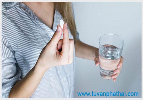 Thai lưu 8 tuần có uống thuốc được không?